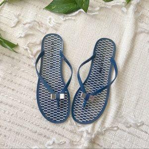 Coach Landon silver bow flip flop sandals Sz 8.5